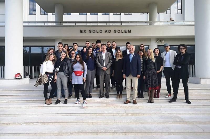 Učenici četvrtih razreda Gimnazije SSST posjetili Univerzitet Sarajevska škola za nauku i tehnologiju (SSST)